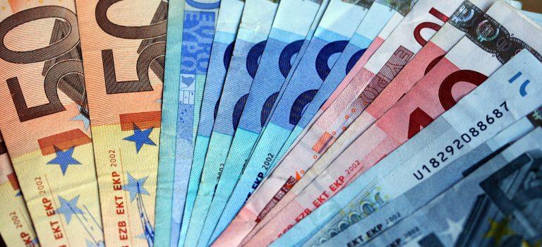 500 Euro für den Heimat- und Geschichtsverein Hasselroth