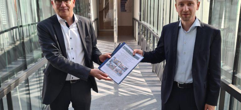 Ortsumgehung Freigericht – Hasselroth: Schad übergibt Unterlagen der IG an Al-Wazir